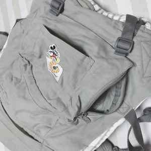 エルゴの抱っこ紐にはポケットが2つもある
