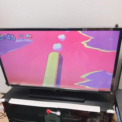 テレビの保護パネル装着後の写真