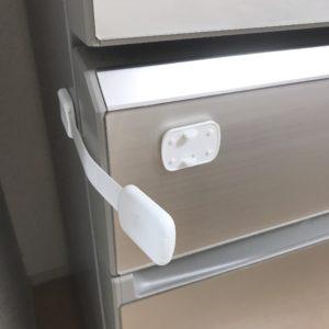 Amazonのド赤ちゃん用ドアロック6
